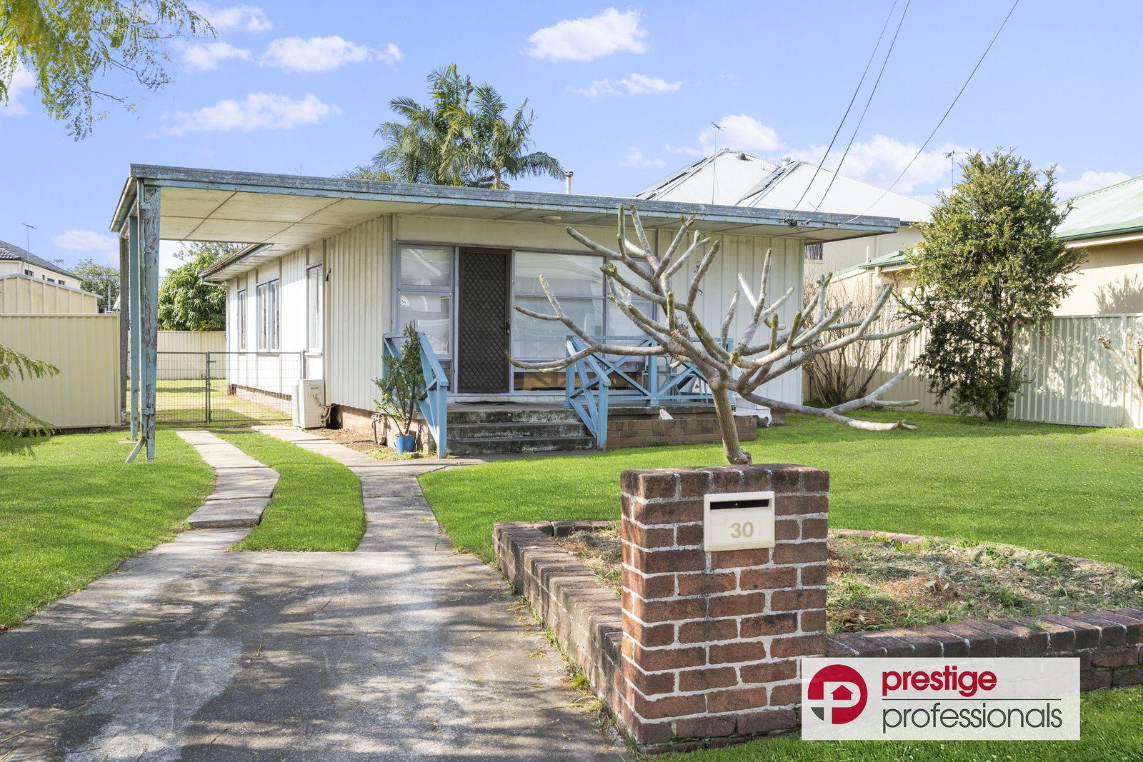 30 Salamaua Crescent, Holsworthy NSW 2173, Image 0