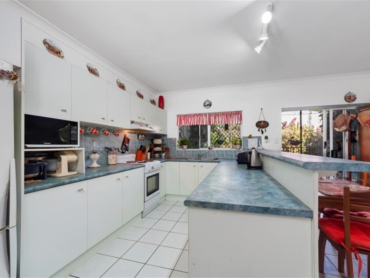 6 Garnet Street, Smithfield QLD 4878, Image 2