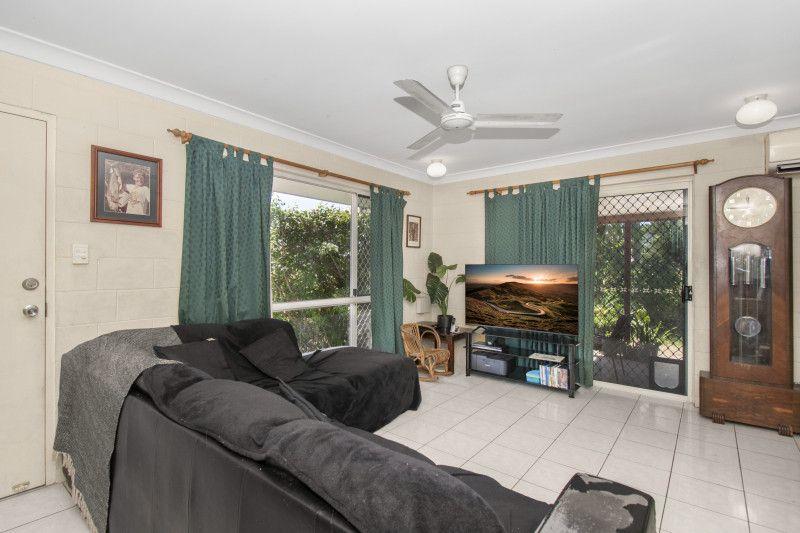 4/3 Jermyn Street, Hyde Park QLD 4812, Image 2