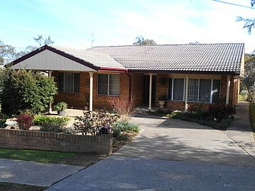 40 Blackett Ave, Young NSW 2594, Image 0