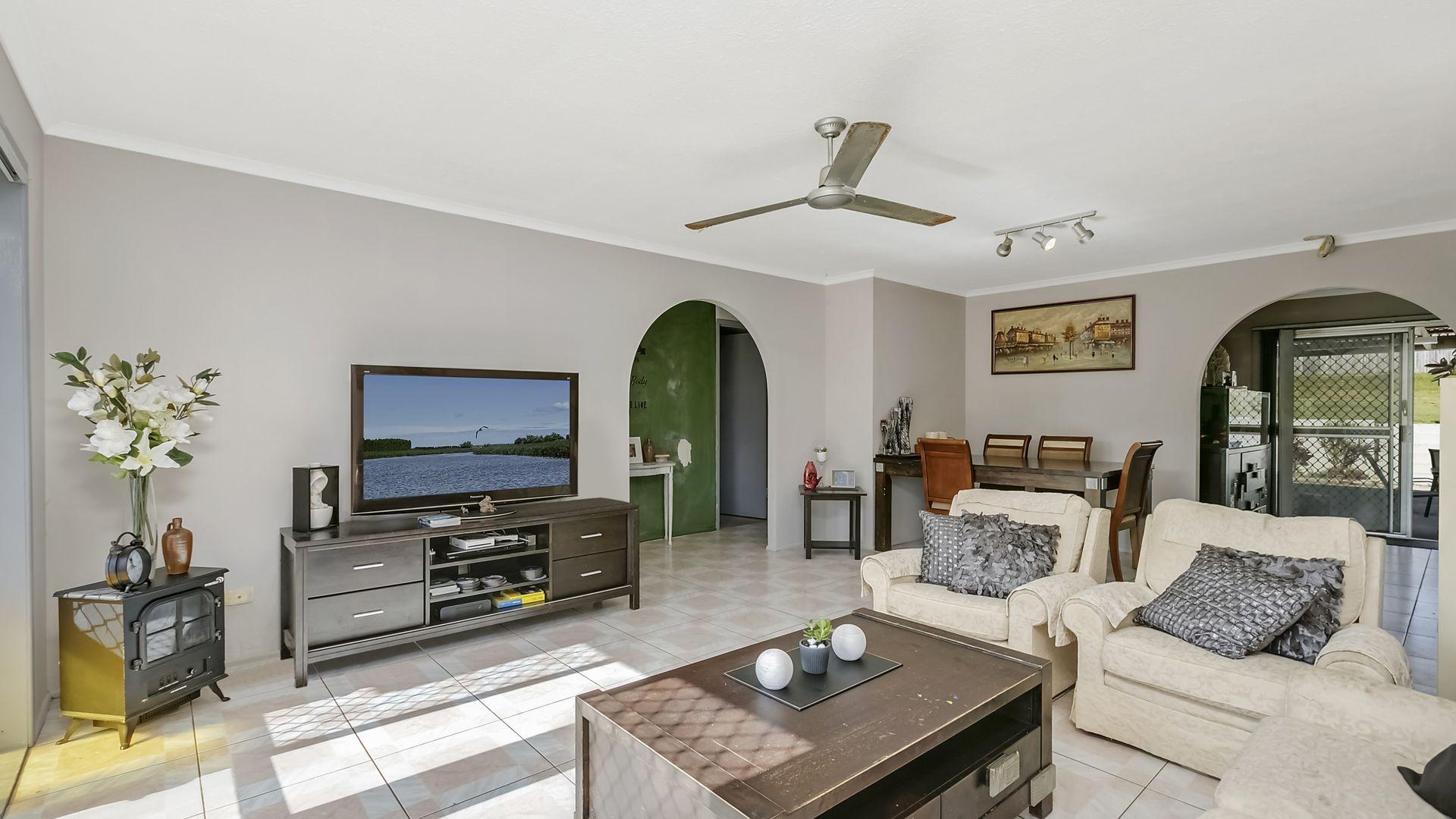 22 Blake Street, Southport QLD 4215, Image 2