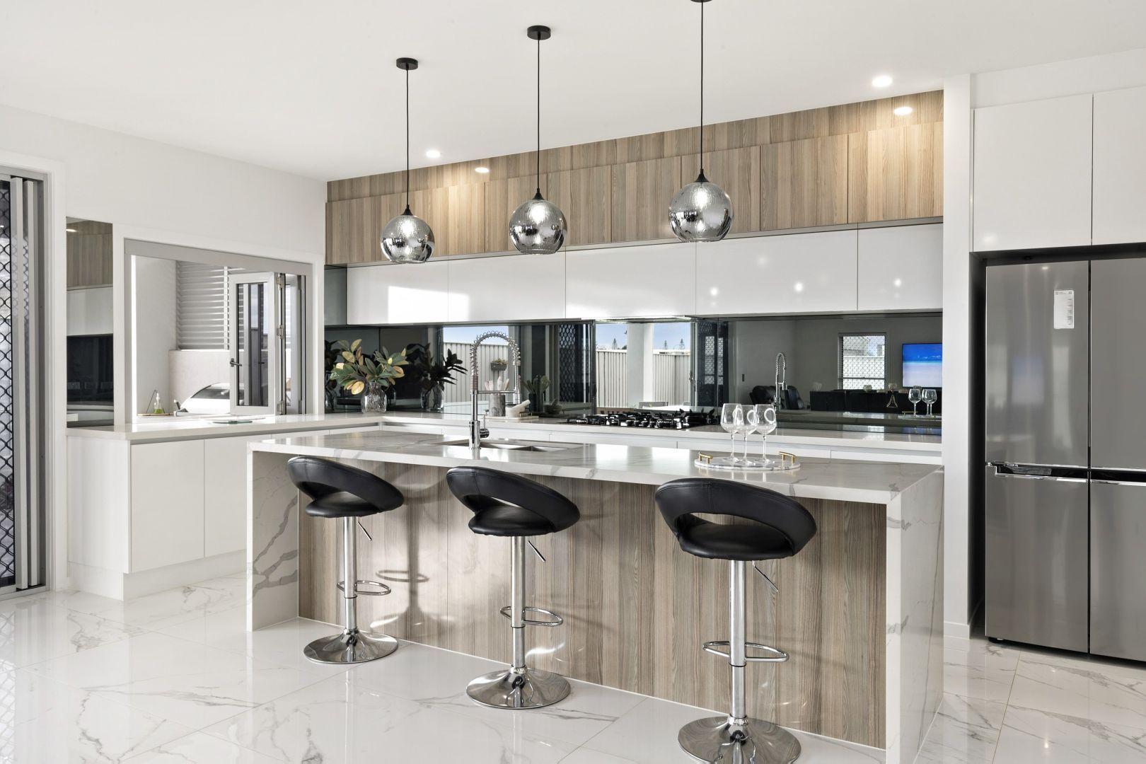 59 Lakeview  Promenade, Newport QLD 4020, Image 2