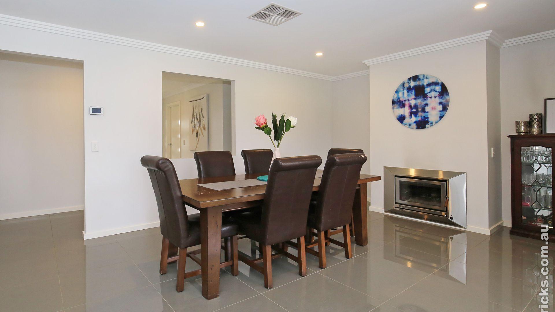 12 Goonawarra Street, Gobbagombalin NSW 2650, Image 1