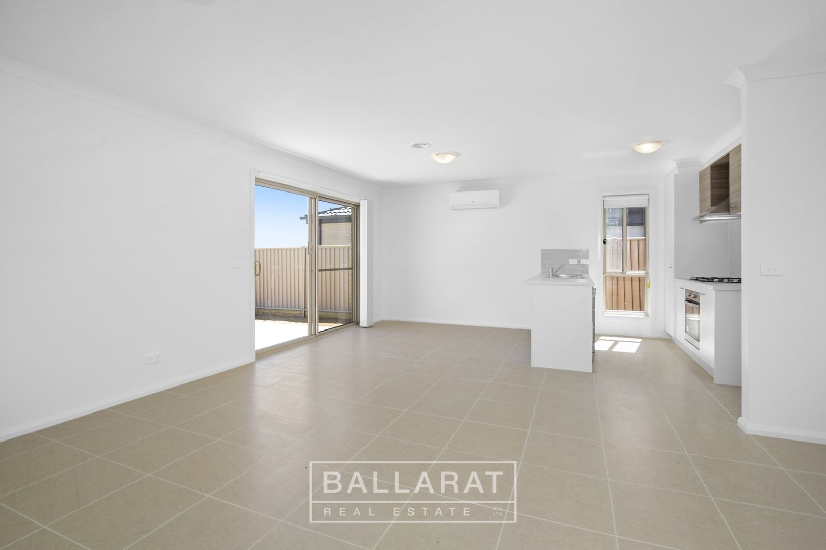 9 Masters Drive, Winter Valley VIC 3358, Image 2