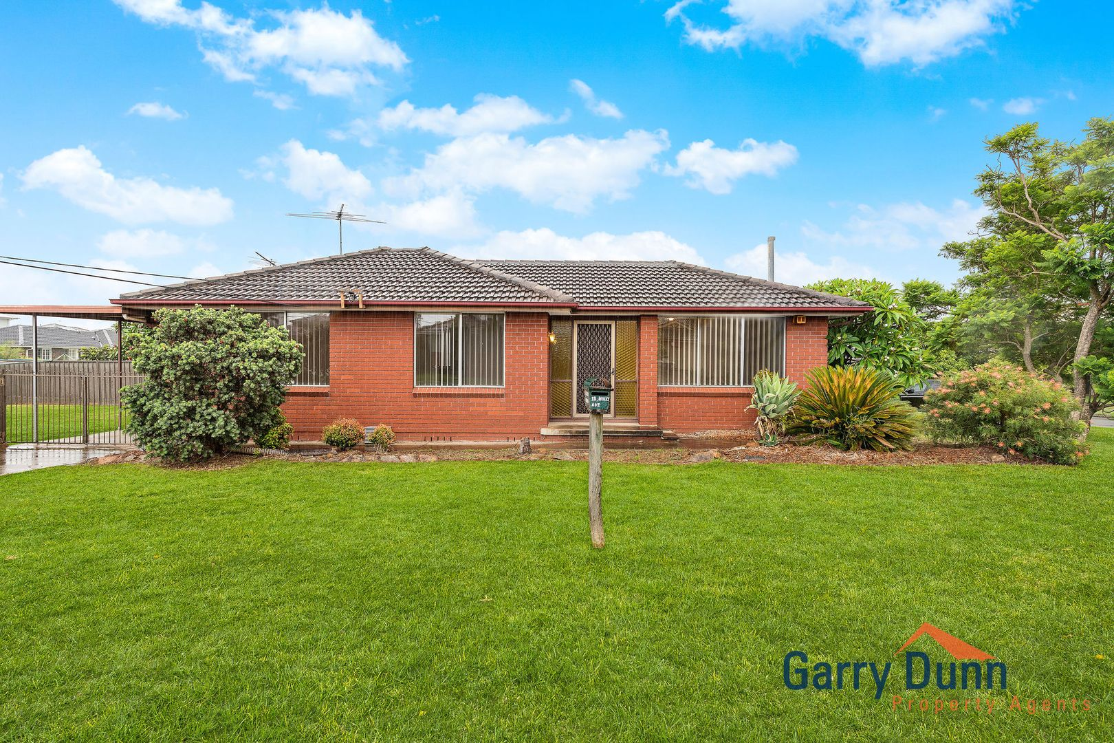 11 Holly Ave, Chipping Norton NSW 2170, Image 0