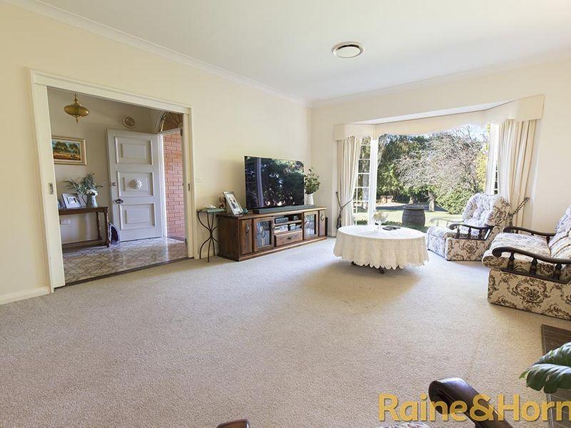 59 Stonehaven Avenue, Dubbo NSW 2830, Image 2