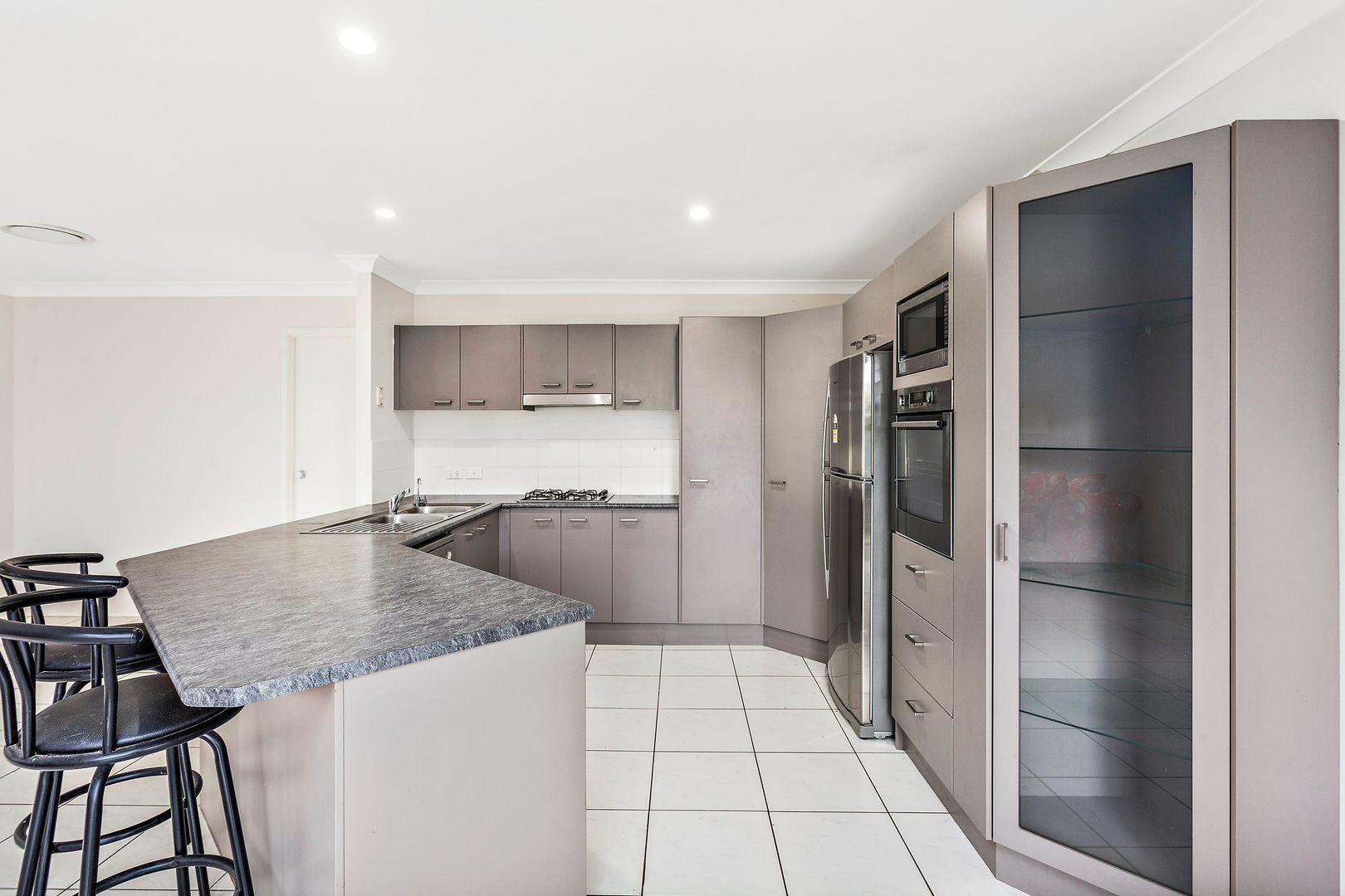 65 Rondanella Drive, Kanahooka NSW 2530, Image 2