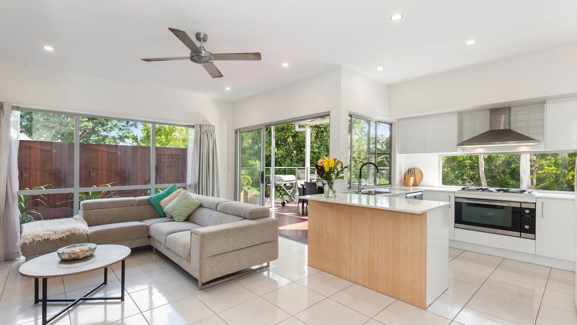 25 Kate Street, Indooroopilly QLD 4068, Image 2