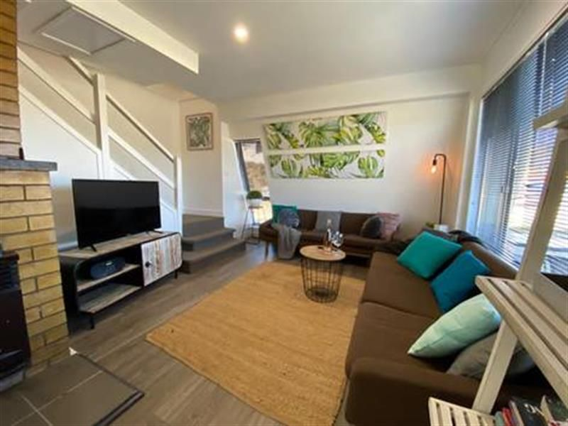 57 Rowan Avenue, Uralla NSW 2358, Image 1