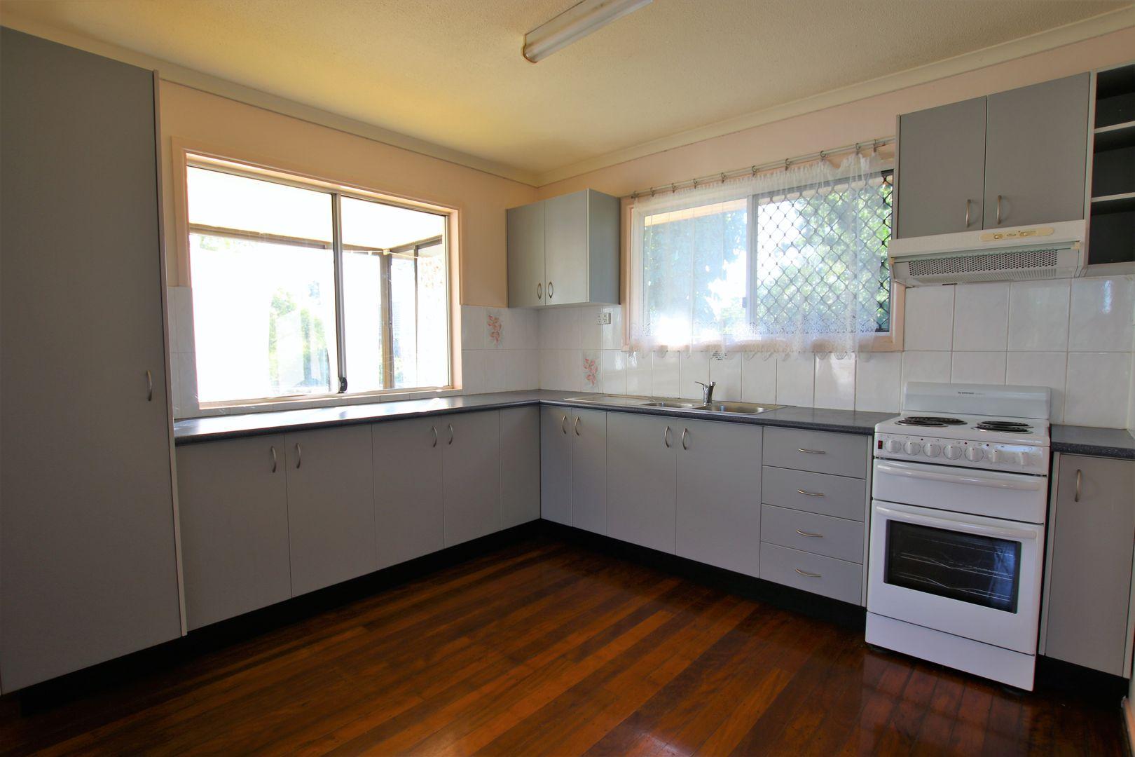 83 Ewing  Road, Woodridge QLD 4114, Image 2