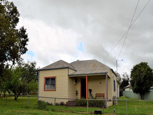 17 Campbell Street, Grenfell NSW 2810, Image 0
