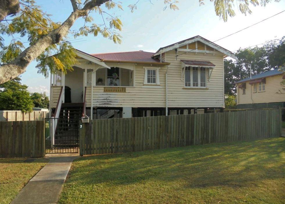 7 Sinclair Street, Newtown QLD 4305, Image 2