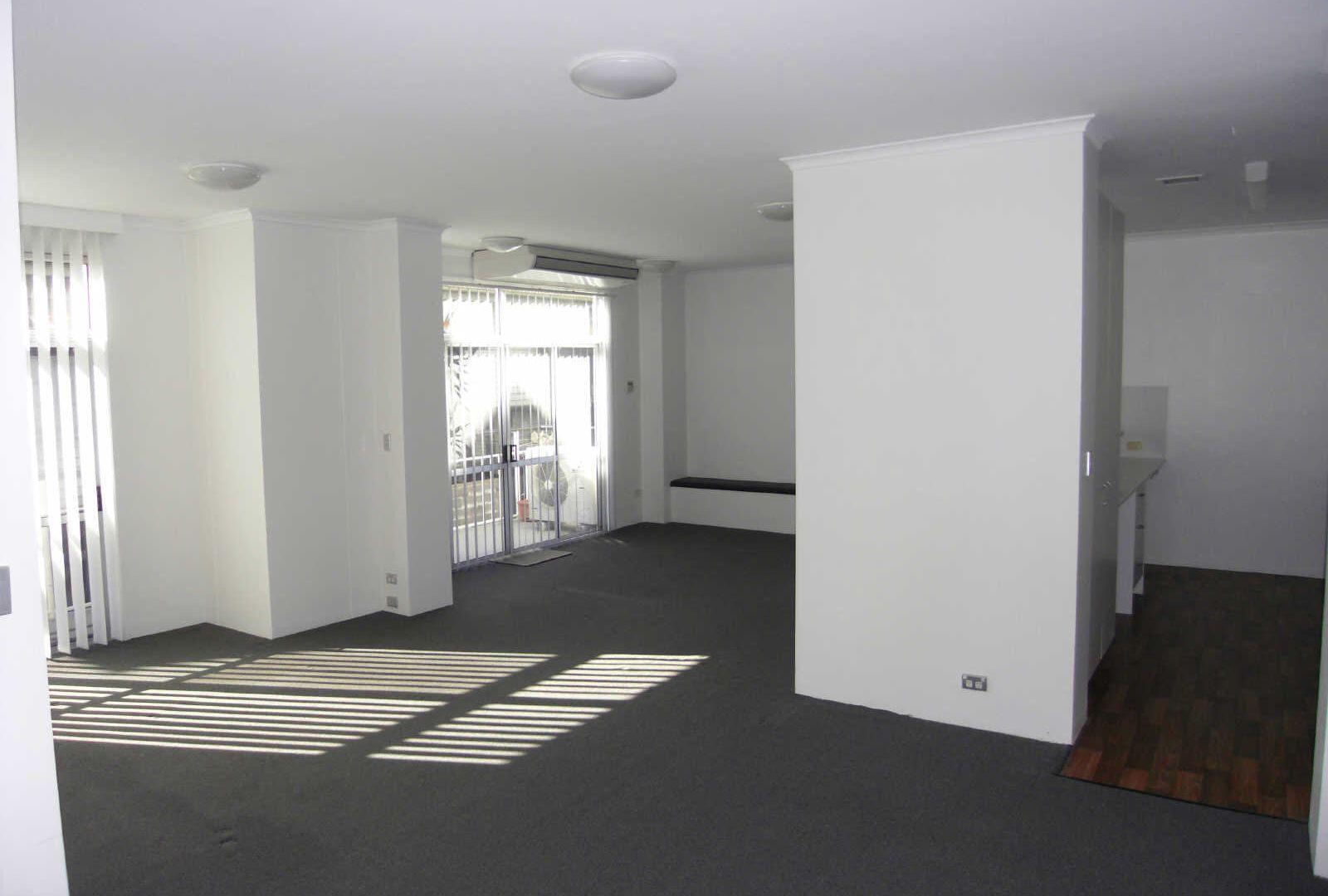 2/182 DORNOCH TCE, Highgate Hill QLD 4101, Image 1