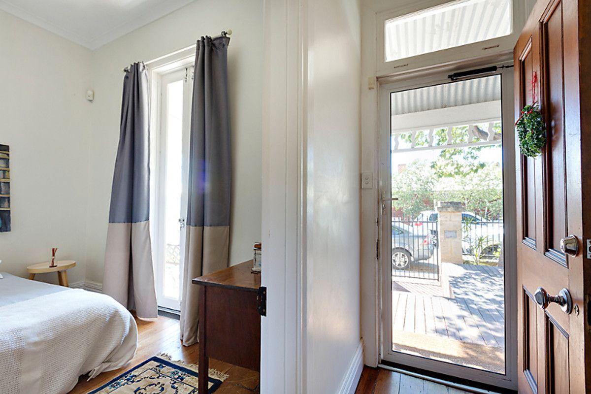 14 Knebworth Avenue, Perth WA 6000, Image 2