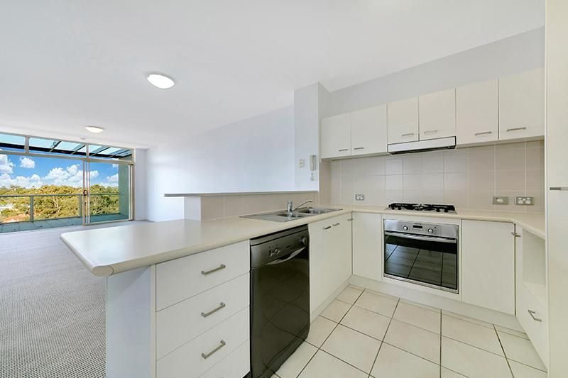 08/22 Riverview Terrace, Indooroopilly QLD 4068, Image 2