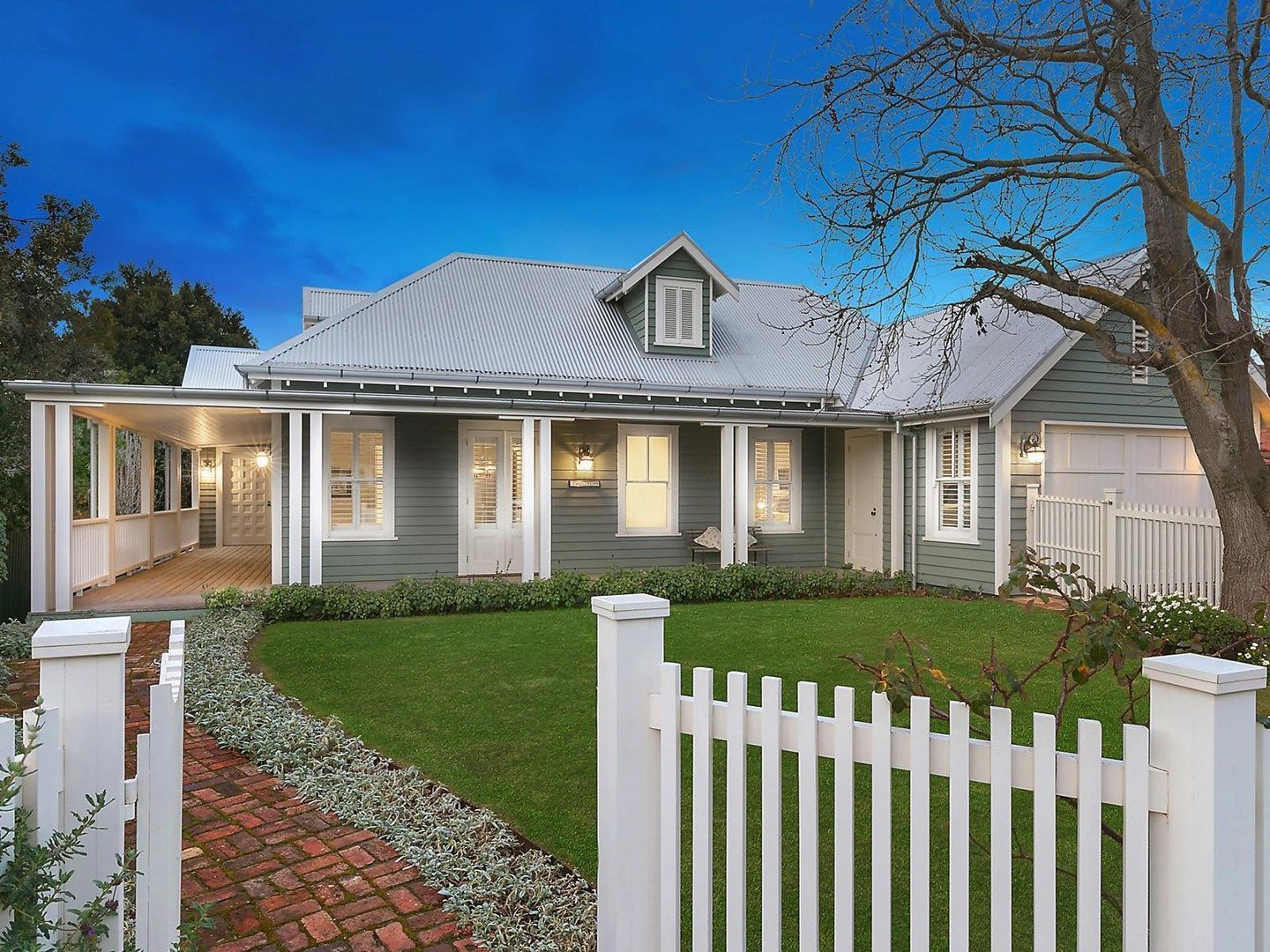 16 Strachan Avenue, Manifold Heights VIC 3218, Image 0