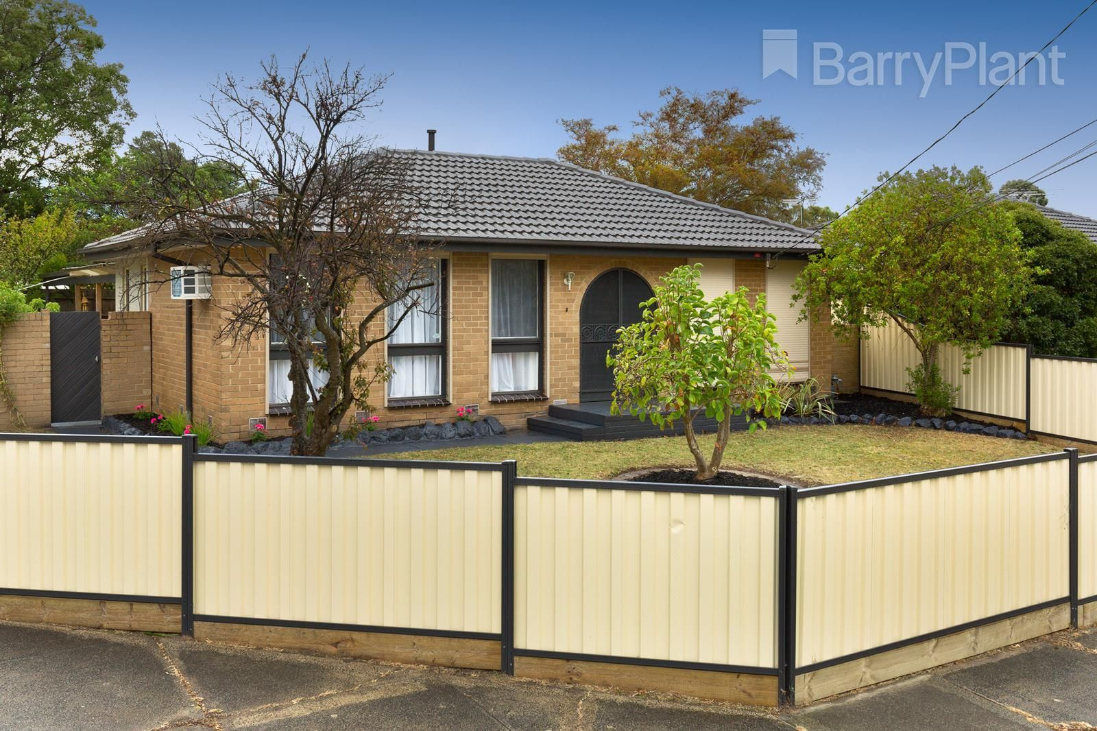 27 Shalimar  Crescent, Dandenong North VIC 3175, Image 0