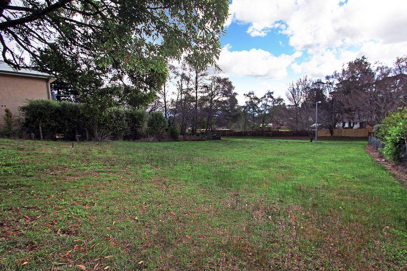 9 Dengate Crescent, Moss Vale NSW 2577, Image 0