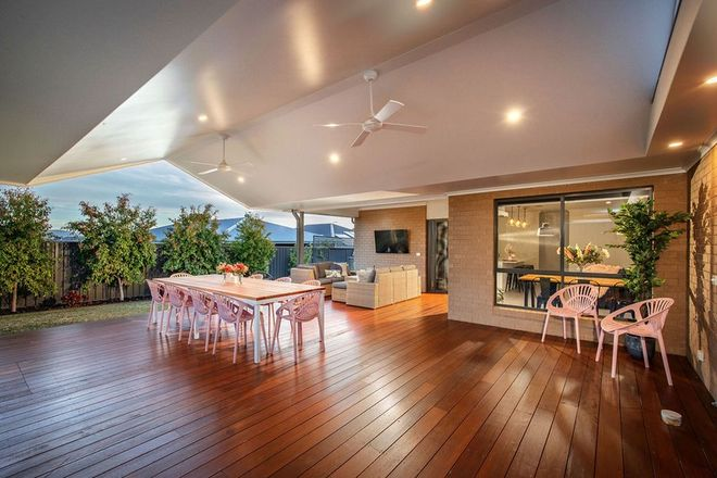 Picture of 26 Pioneer Place, THURGOONA NSW 2640