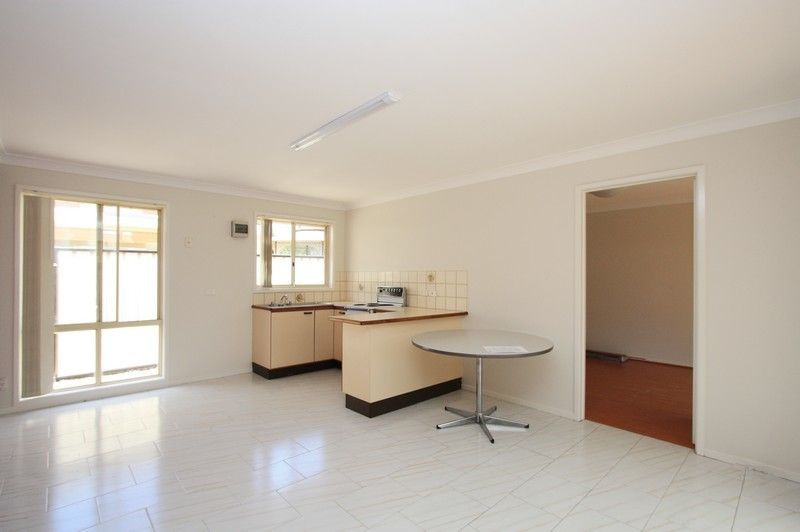 17a Wendlebury Road, Chipping Norton NSW 2170, Image 0