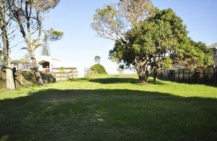 Picture of 17 Coronation Avenue, Beachmere QLD 4510