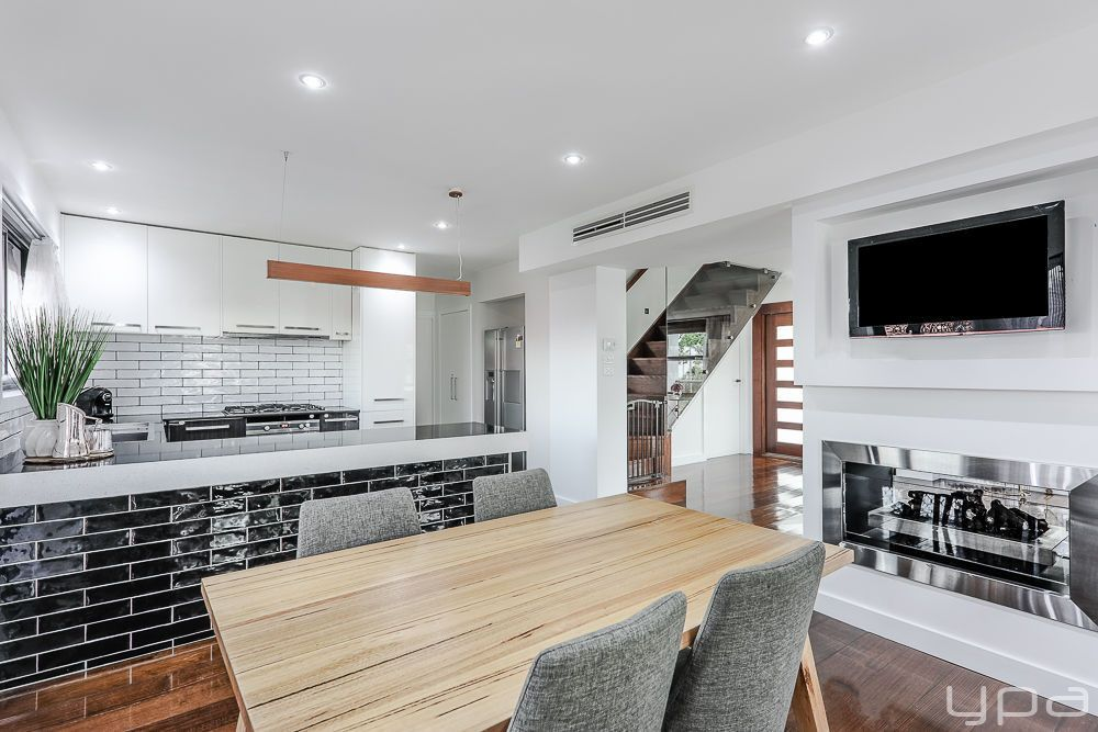 25 Officer Street, Meadow Heights VIC 3048, Image 2