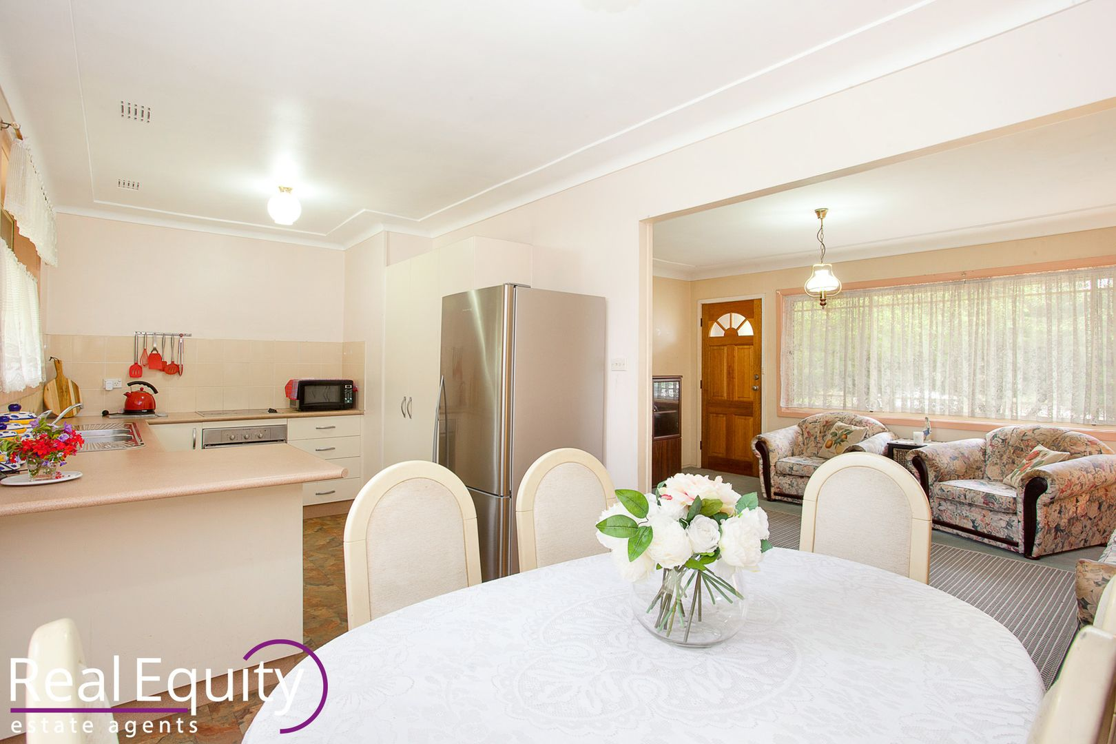 10 Longstaff Avenue, Chipping Norton NSW 2170, Image 2