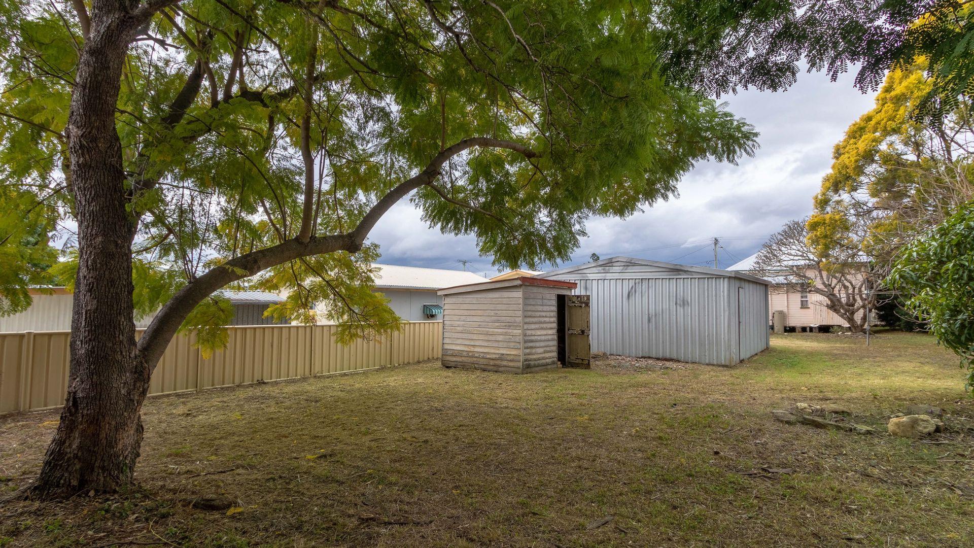 25 THOMPSON STREET, Silkstone QLD 4304, Image 2