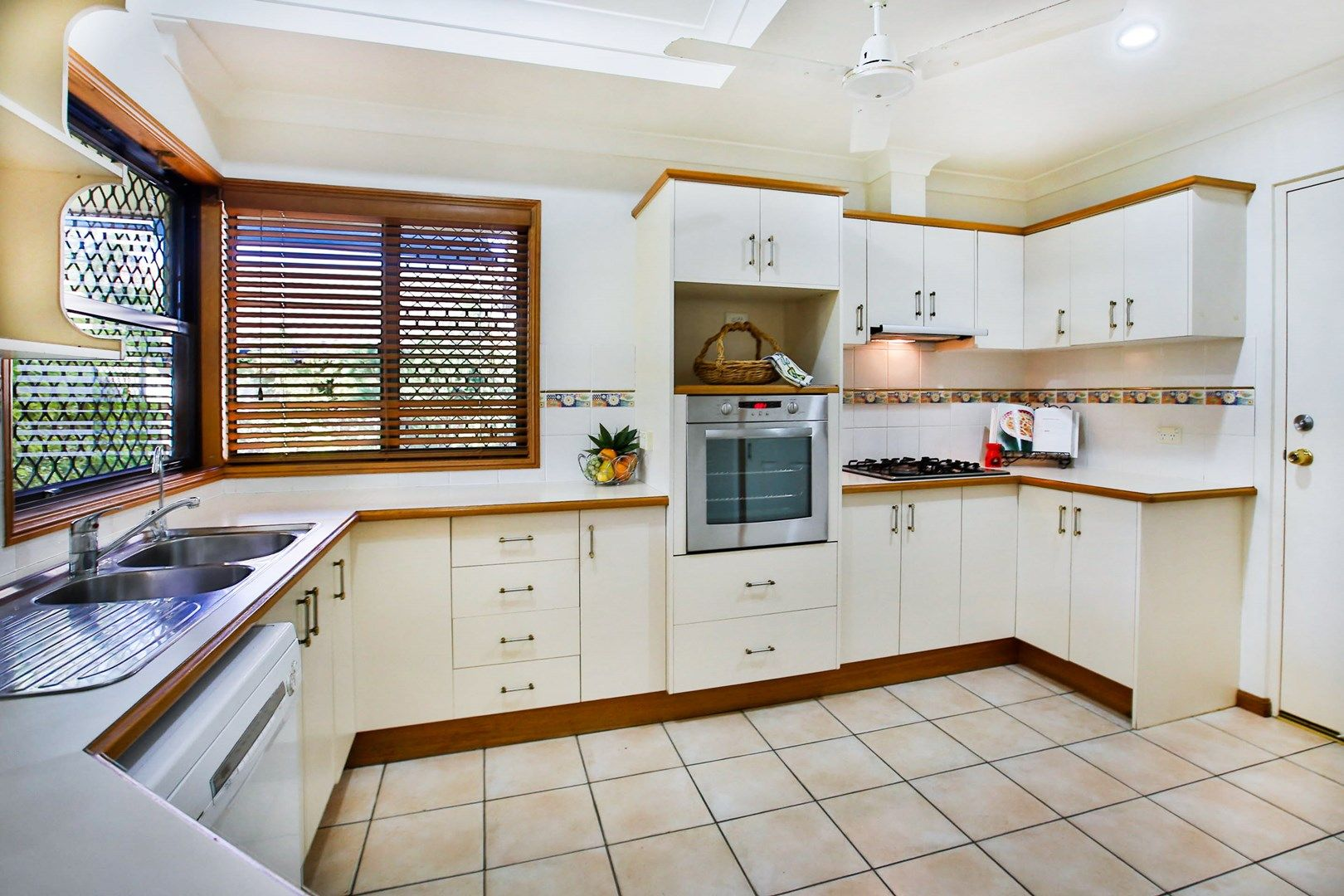 25 Southern Cross Circuit, Douglas QLD 4814 - House For Sale | Domain