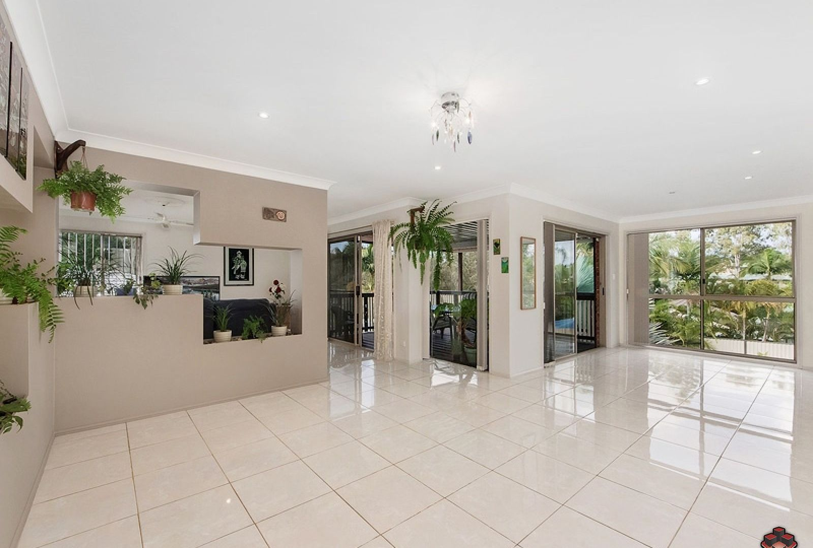 11 Rosedale Place, Helensvale QLD 4212, Image 2