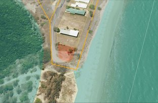 Picture of 2 Taylor Street, Tully Heads QLD 4854