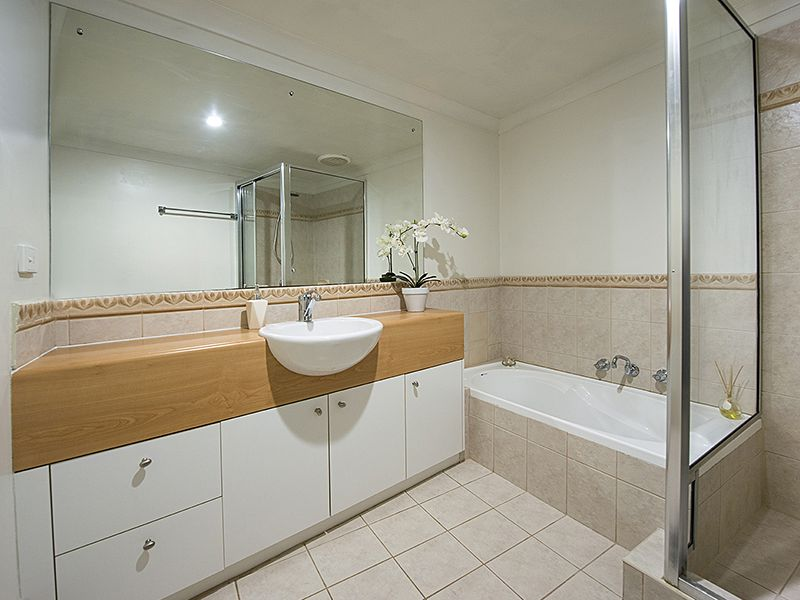 4/14 Waterloo Crescent, East Perth WA 6004, Image 2