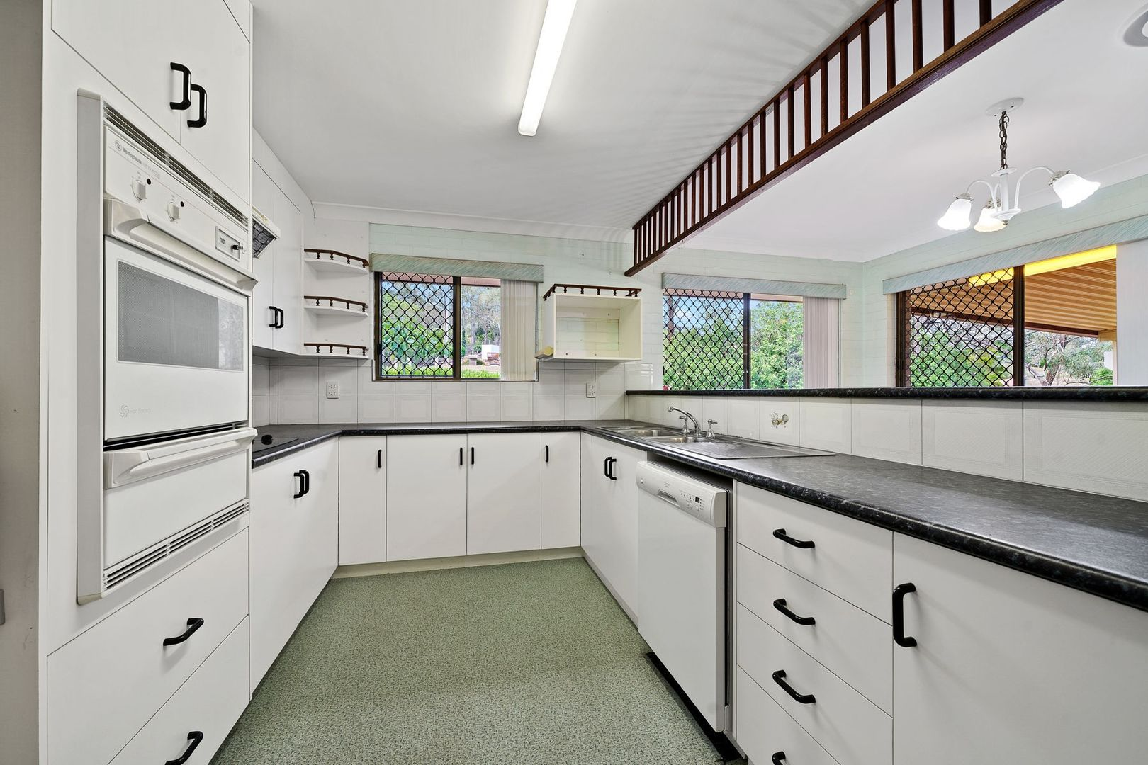 7 Vera Drive, Top Camp QLD 4350, Image 2
