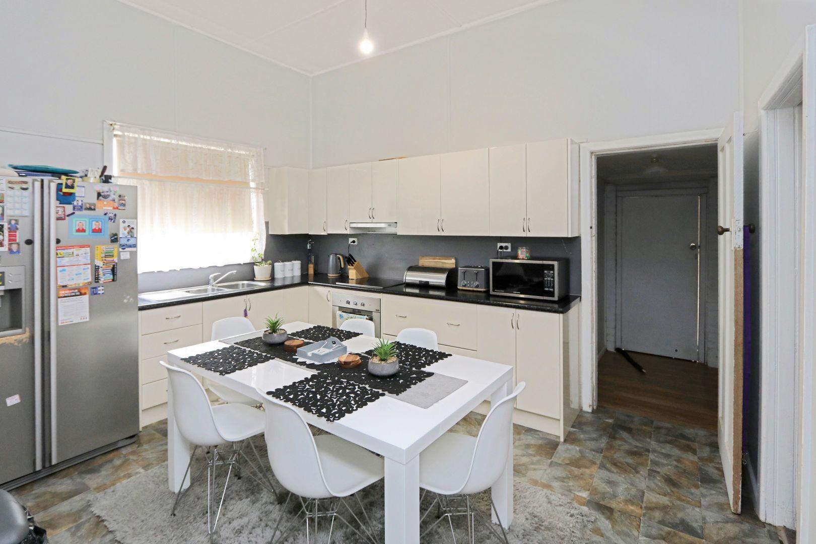 19 Perseverance Street, West Wyalong NSW 2671, Image 1