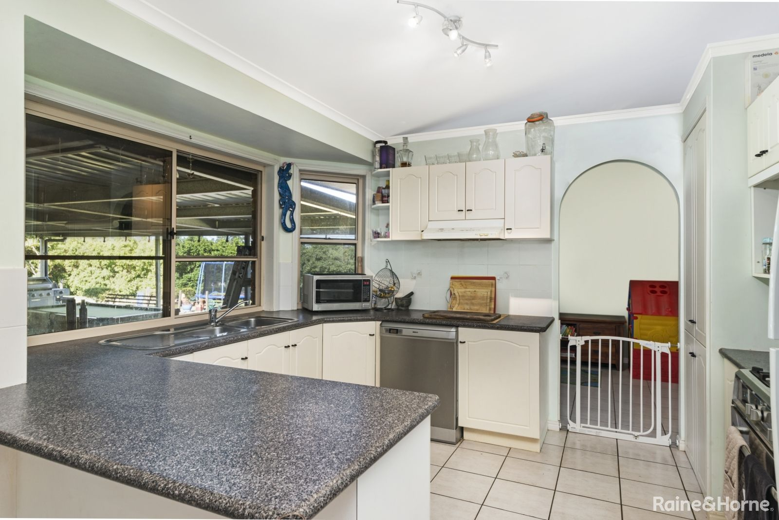 262 WILLIAMSON ROAD, Morayfield QLD 4506, Image 2