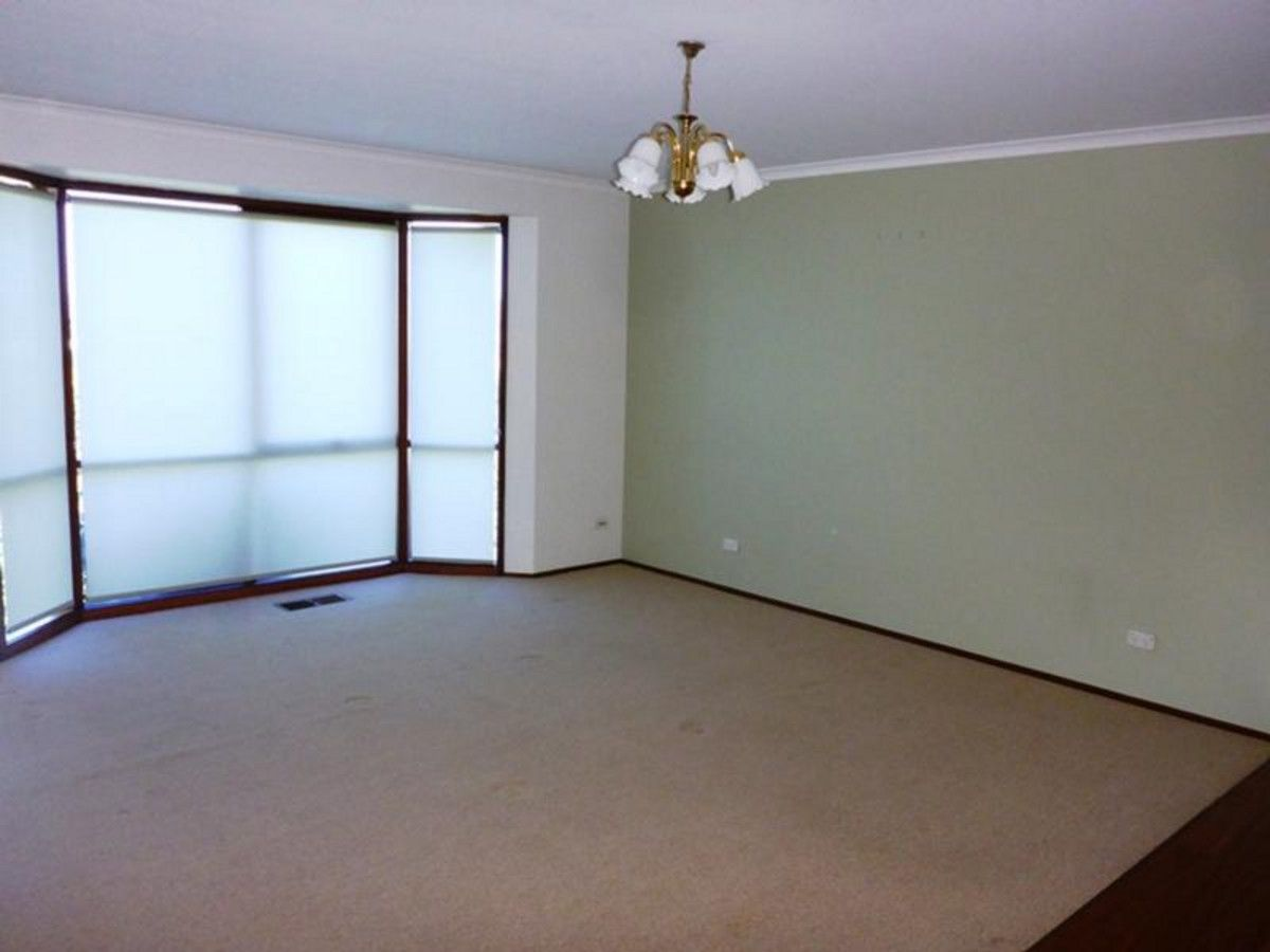 27 Mountain View Drive, Lavington NSW 2641, Image 1