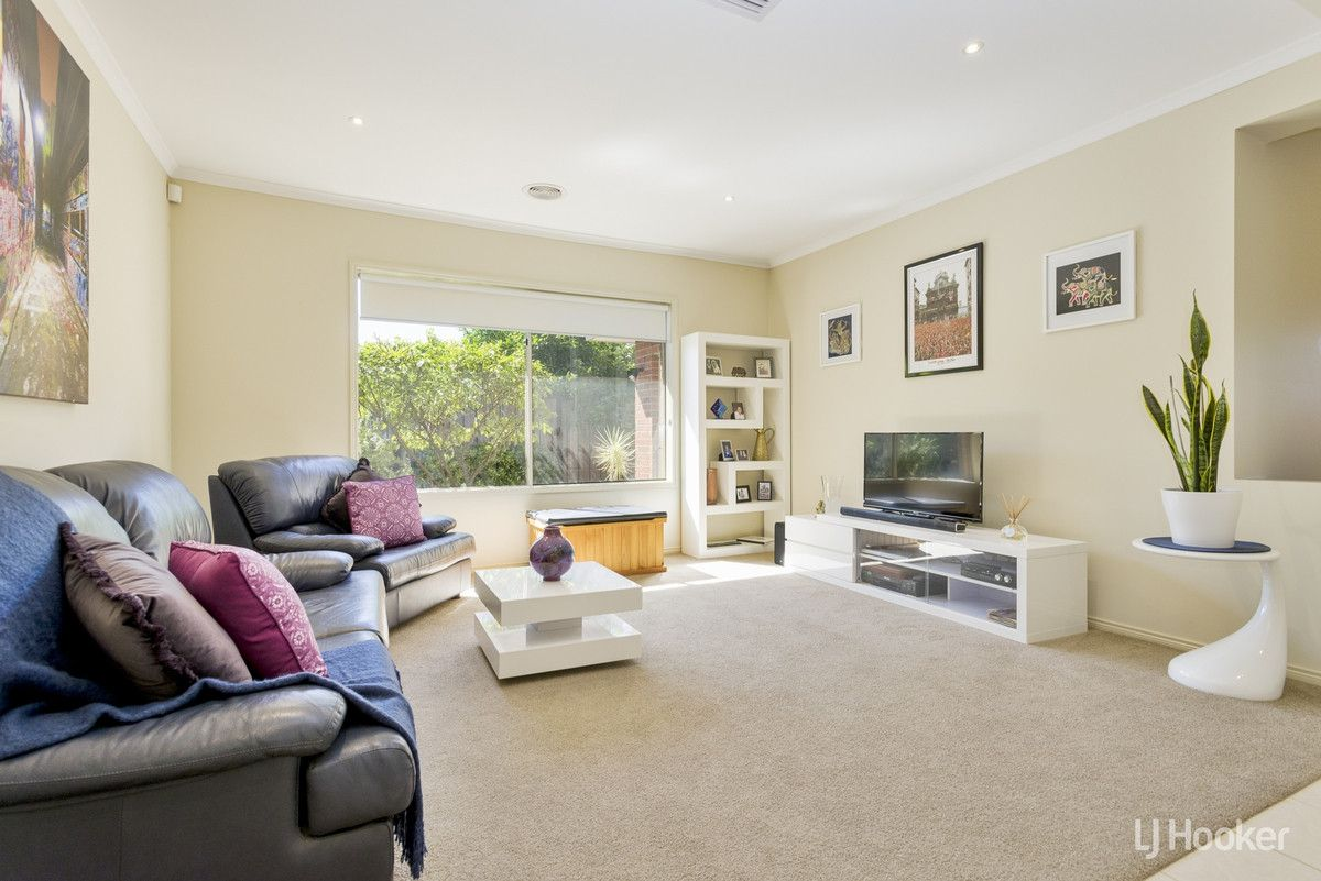 4 Citronella Circuit, Point Cook VIC 3030, Image 2