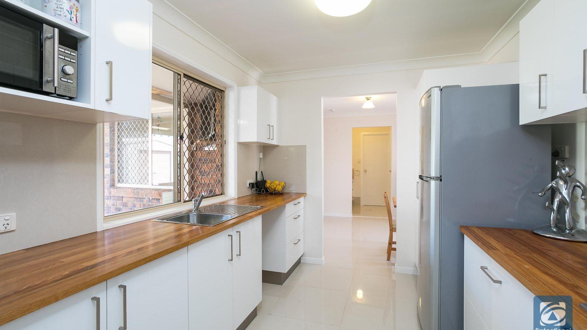 9 Babamande Street, Redland Bay QLD 4165, Image 2