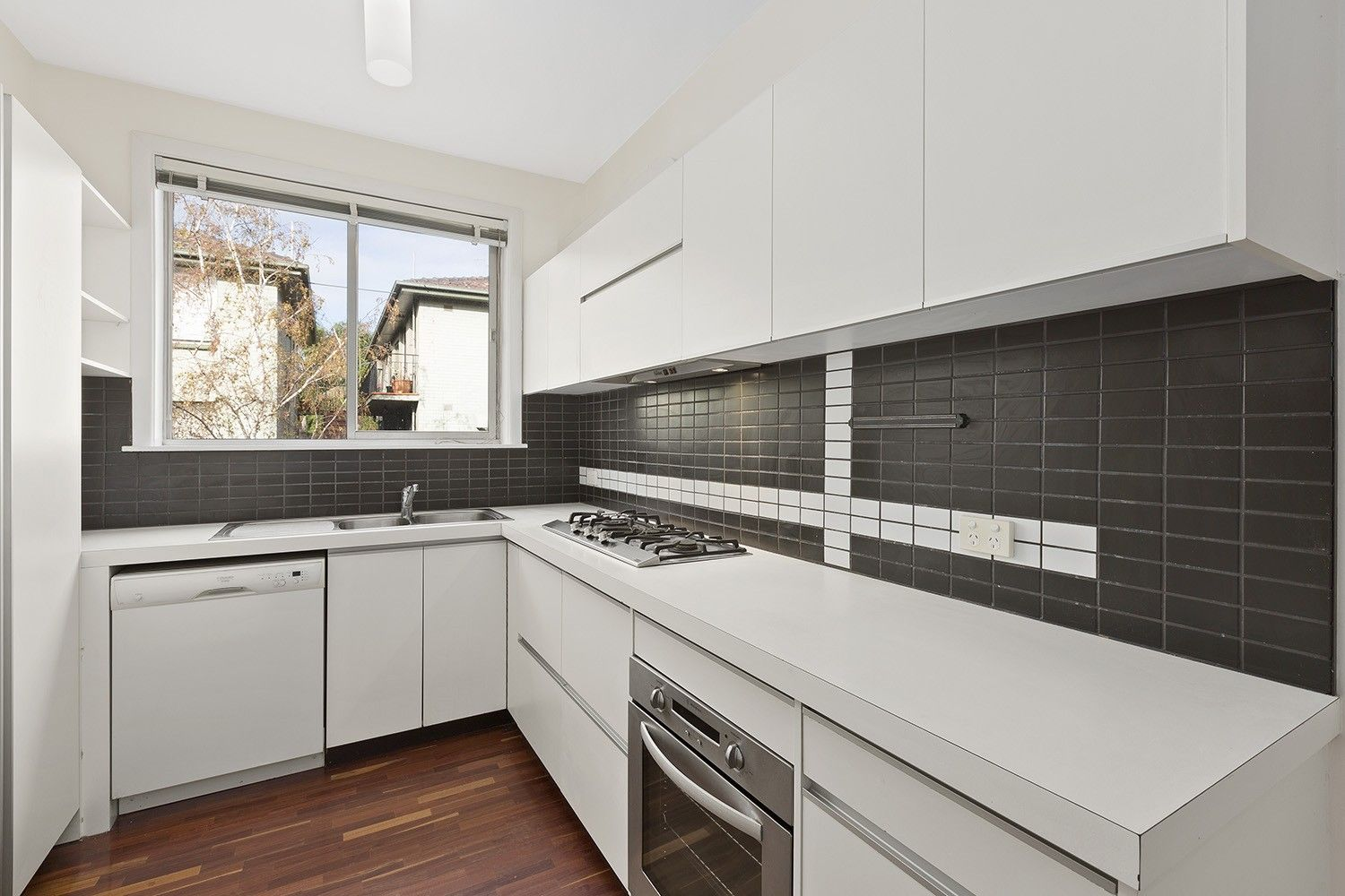 17/211 Gold Street, Clifton Hill VIC 3068, Image 2