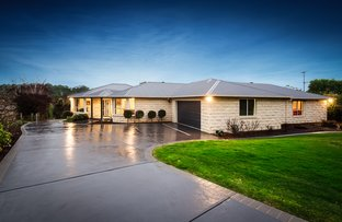 Picture of 17 Canterbury Close, Drouin VIC 3818