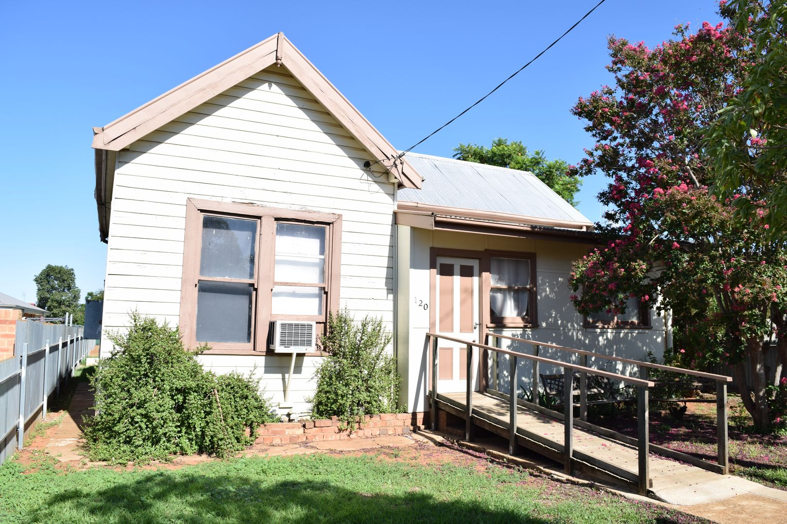 120 Currajong Street, Parkes NSW 2870, Image 0