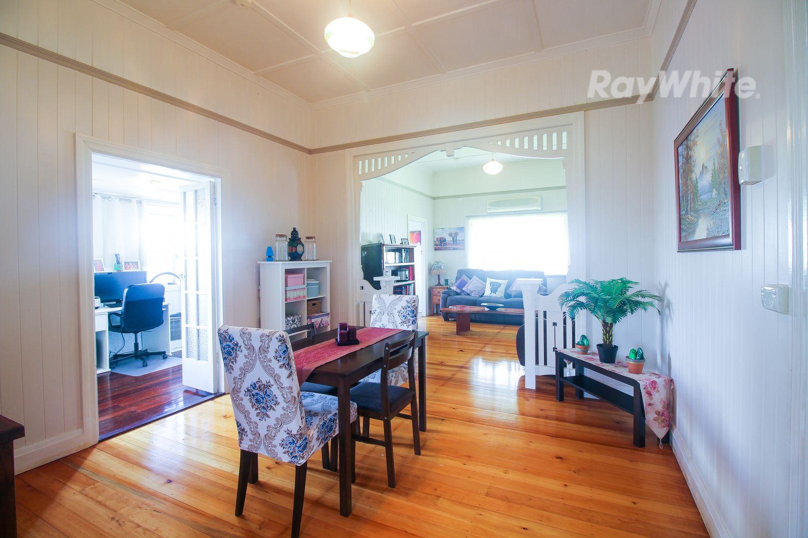 34 Macquarie Street, Silkstone QLD 4304, Image 2