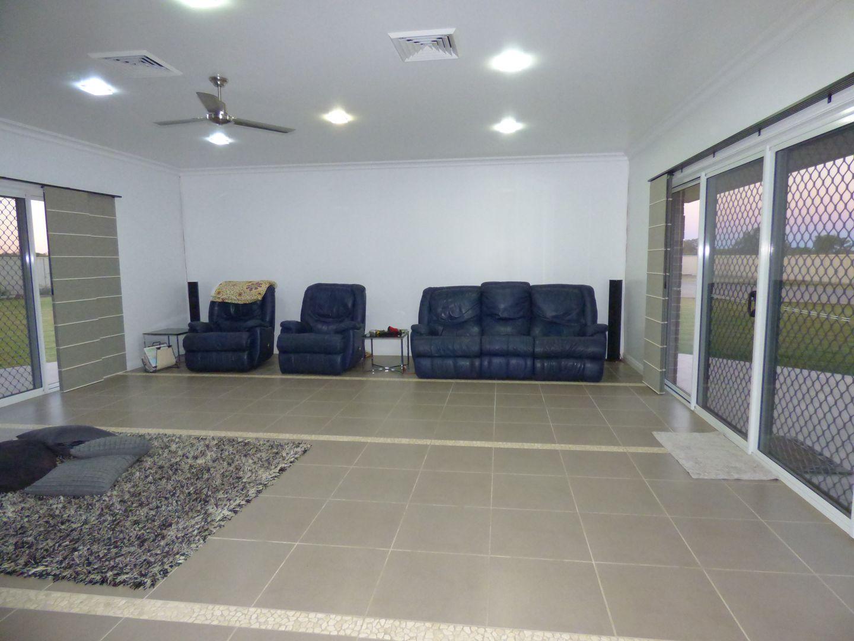 37-39 Turvey Court, St George QLD 4487, Image 2
