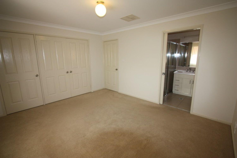 59 Grinton Avenue, Wagga Wagga NSW 2650, Image 2
