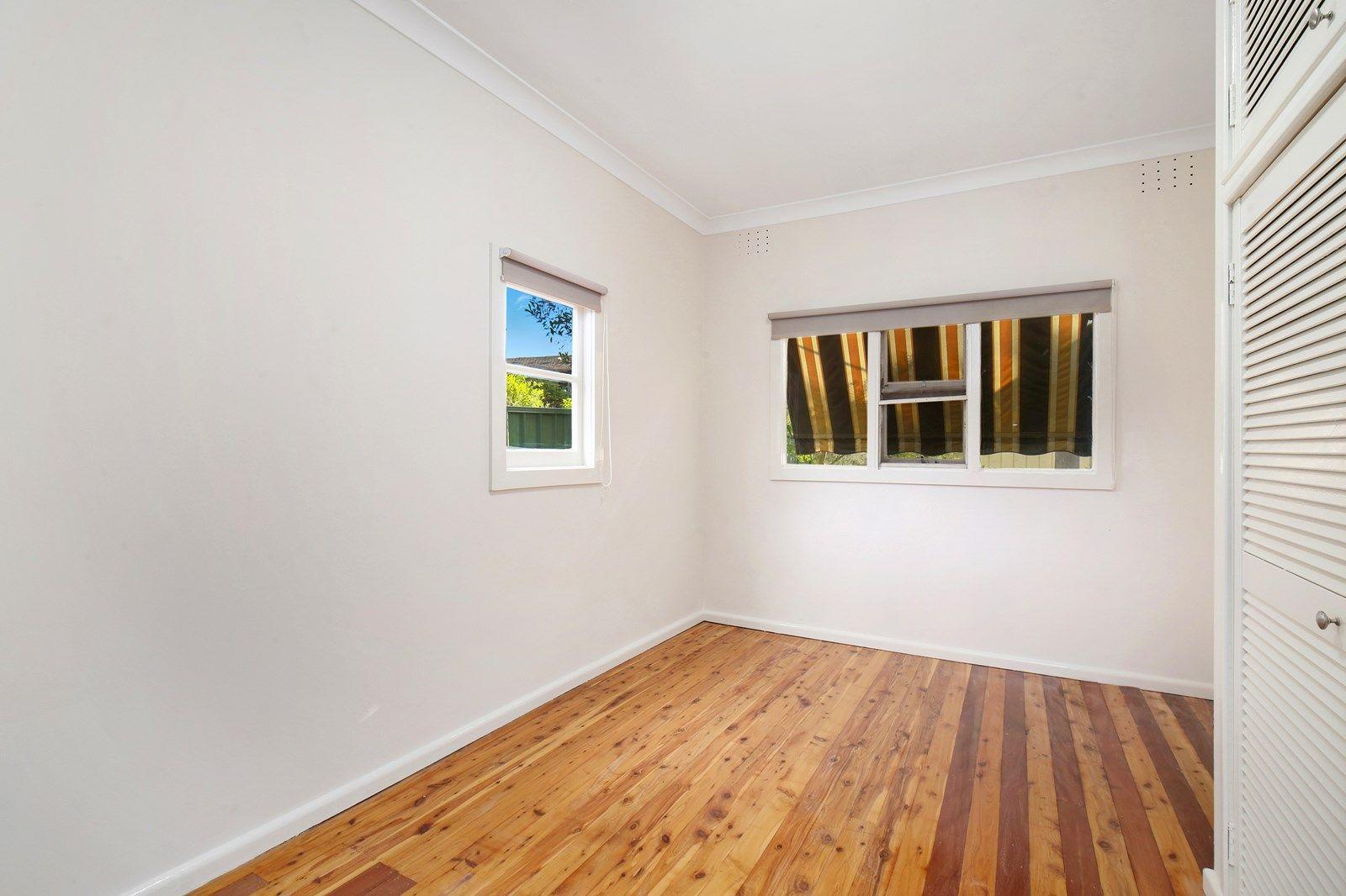18 Main Street, Killarney Vale NSW 2261, Image 2