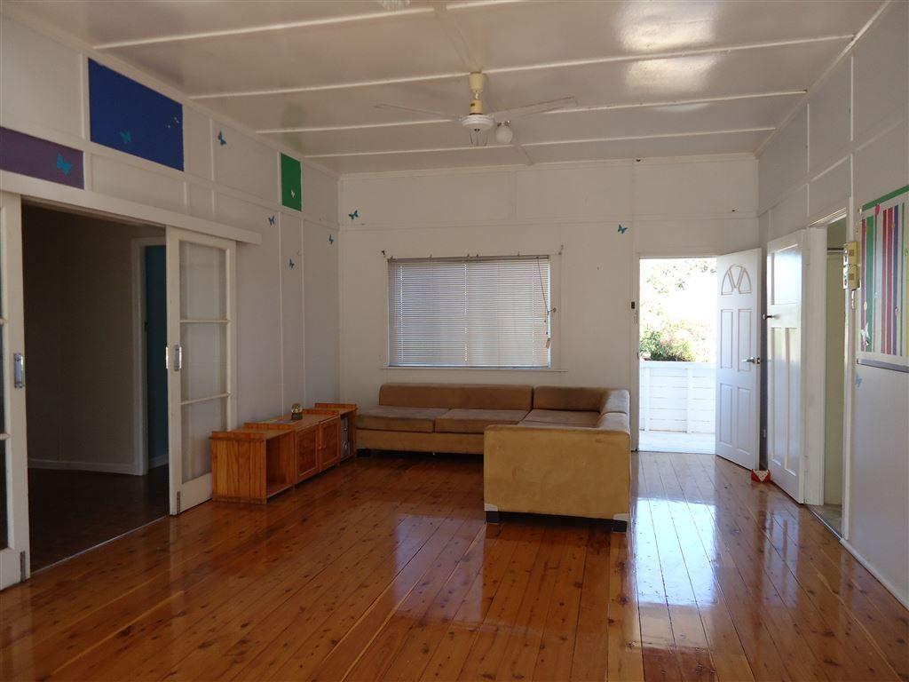 28 Kelman St                                                 Price Negotiable, Taroom QLD 4420, Image 2