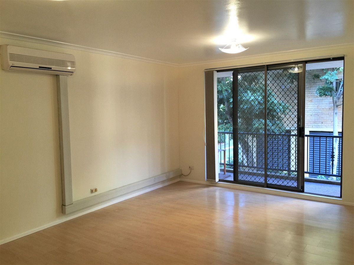 4/7 Griffiths Street, Blacktown NSW 2148, Image 2