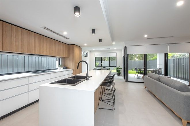 Picture of 10 Waverley Place, DIANELLA WA 6059