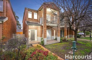 Picture of 11 St Laurent Rise, Knoxfield VIC 3180