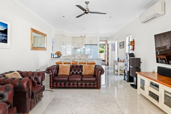 Picture of 15B Diana Avenue, BURLEIGH HEADS QLD 4220